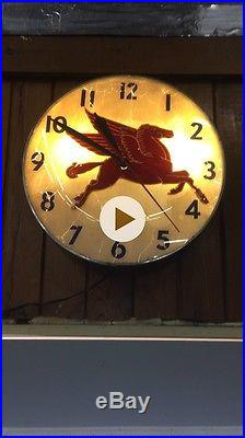 Mobil Oil, Vintage Clock, Gas Oil Pam Clock