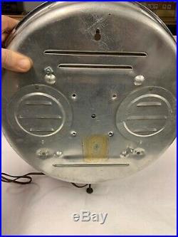 Vintage 1959 Model Mobil Oil Gas Pegasus Wall Clock