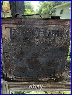 Vintage 2 Gallon Thrift-Lube Motor Oil Can Gas Oil Soda Car Graphics