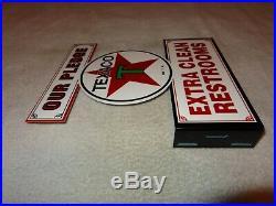 Vintage Texaco Our Pledge Clean Restrooms 11 3/4 Metal Gasoline Oil Flange Sign